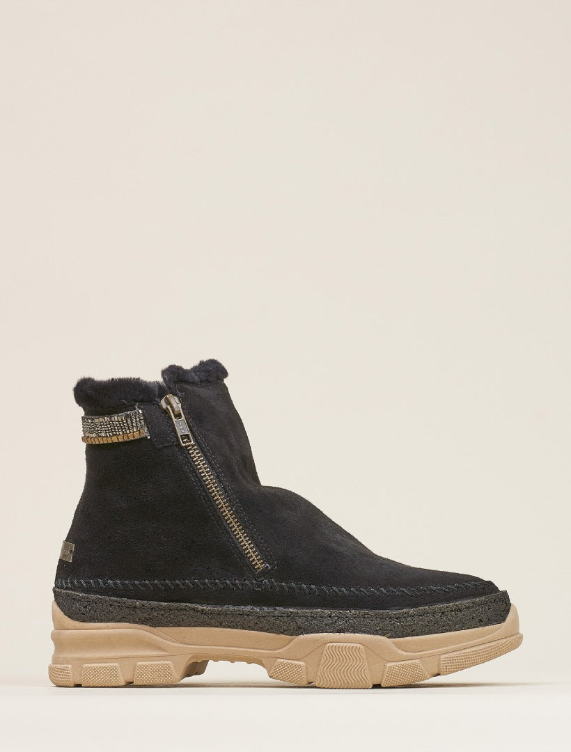 Setsu 2.0 Side Zip Ankle Boot Black Suede