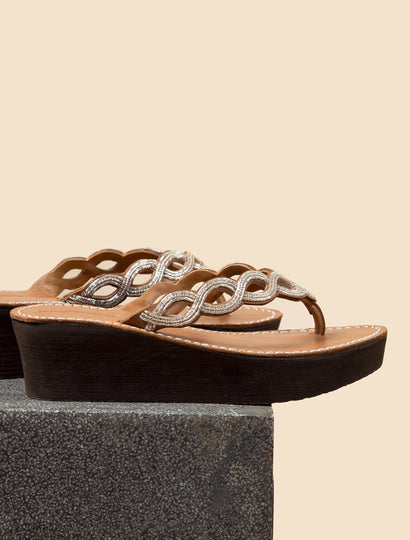 Nevis Wedge Light Brown Silver