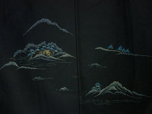 Vintage Haori/Kimono With Mountain design 1980s