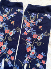 Japanese Tabi Socks | Floral (Navy Blue)