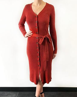 Gorgeous fitted dress or cardigan in brick