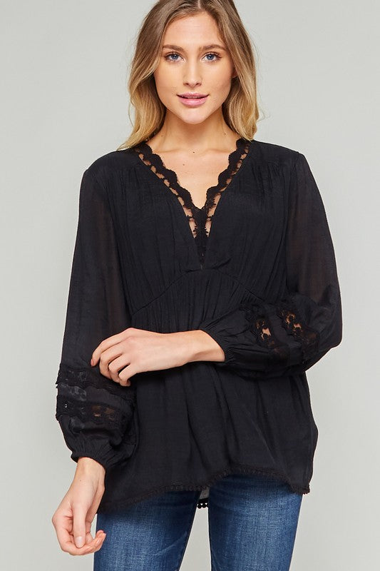 Lace Trim Linen Top -Long sleeves -Sleeve contrast detail -Lace trim detail -V neck -Pullover