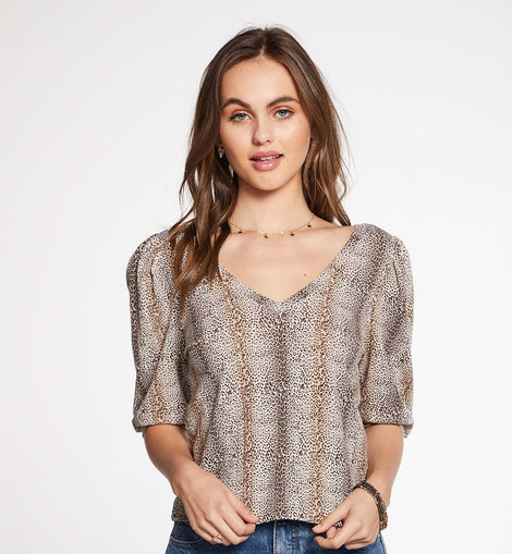 Chaser ribbed cropped 3/4 puff sleeve v-neck top