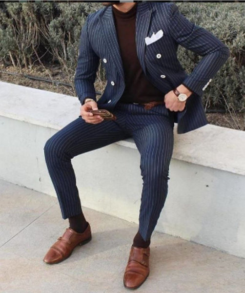 What colour shoes to wear with navy trousers