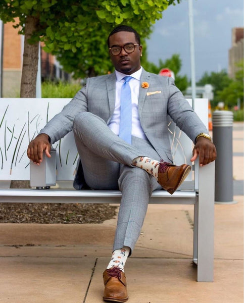 What shoes to wear with a gray suit