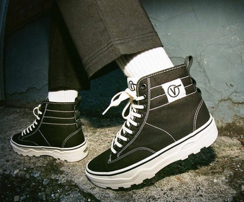 How to Wear Socks with Vans - Best