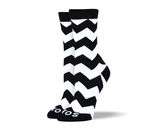 Women's Black & White Zig Zag Socks