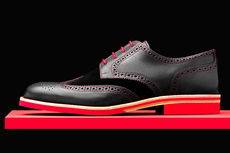 Mens Black & Red Leather Wingtip Dress Shoes - Size 11