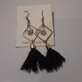 Pearl square and laced earrings