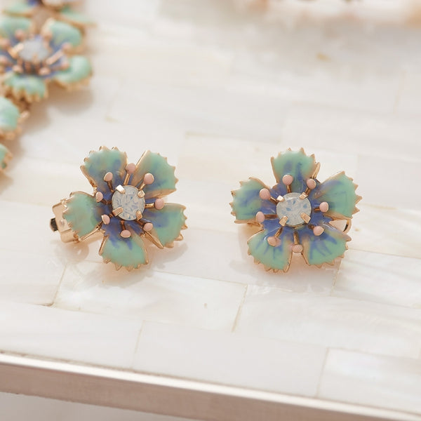 Lovett & Co Ditsy Flower Clip On Earrings in Light Blue