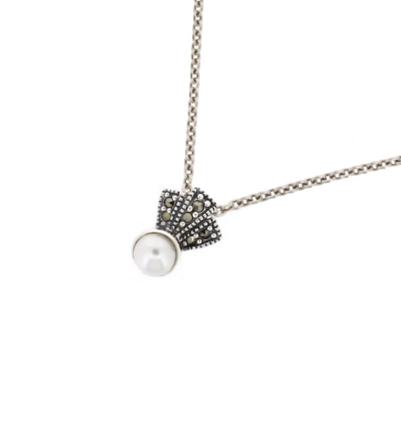 Chicago Pearl Fan Pendant