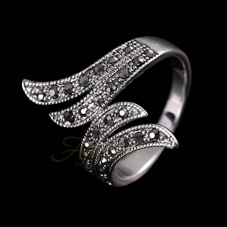 18K White Gold Plated Retro Black Rhinestone Angel Women Vintage Ring