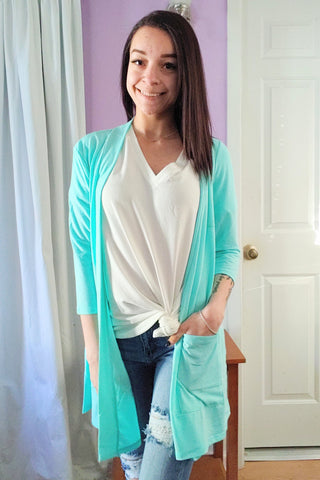 Lori Cardigan in Mint (S-XL)