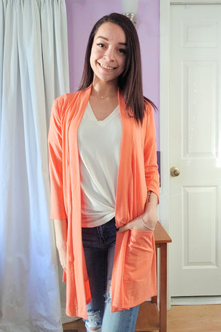 Lori Cardigan in Coral (S-XL)