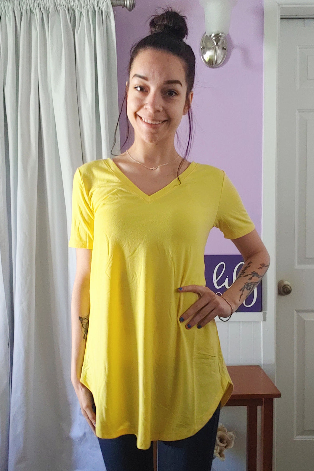 Comfy Tee V-neck Yellow (S-XL)