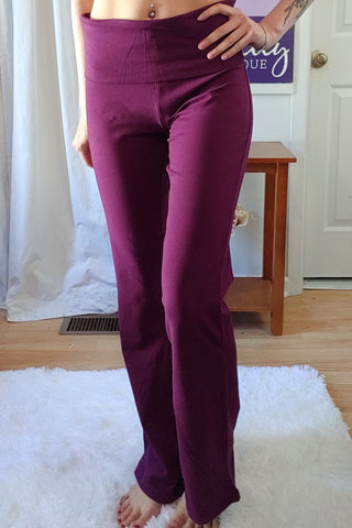 Solid Yoga Pants in Plum (S-XL)