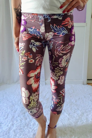 Best Blooms Yoga Capri Leggings (Super Soft) S-XL