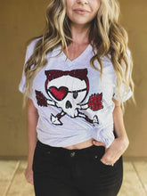 Load image into Gallery viewer, Love Skull Tee (S-XL)