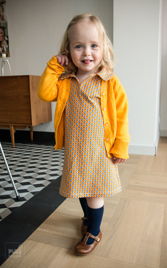 A simple retro dress for a cute little girl