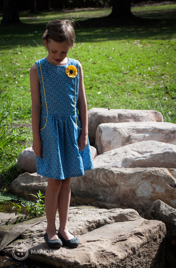 Tic Tac Toe dress by Sewpony in Soft Cactus Fabric - MaaiDesign blog