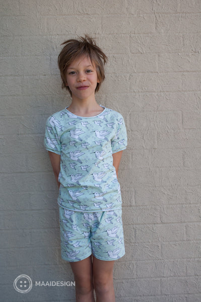 Sewing pyjamas in Elvelyckan Design knit fabric - MaaiDesign blog