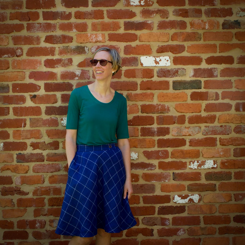 Wattle skirt in linen, pattern by Megan Nielsen