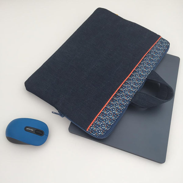 Sewing a laptop pouch