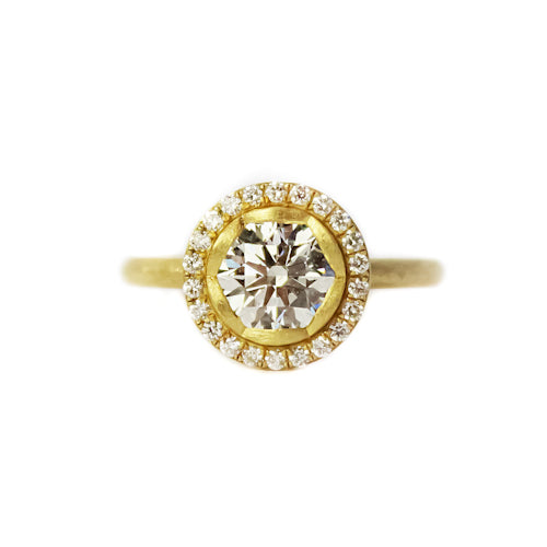 SIGNATURE PETAL HALO RING