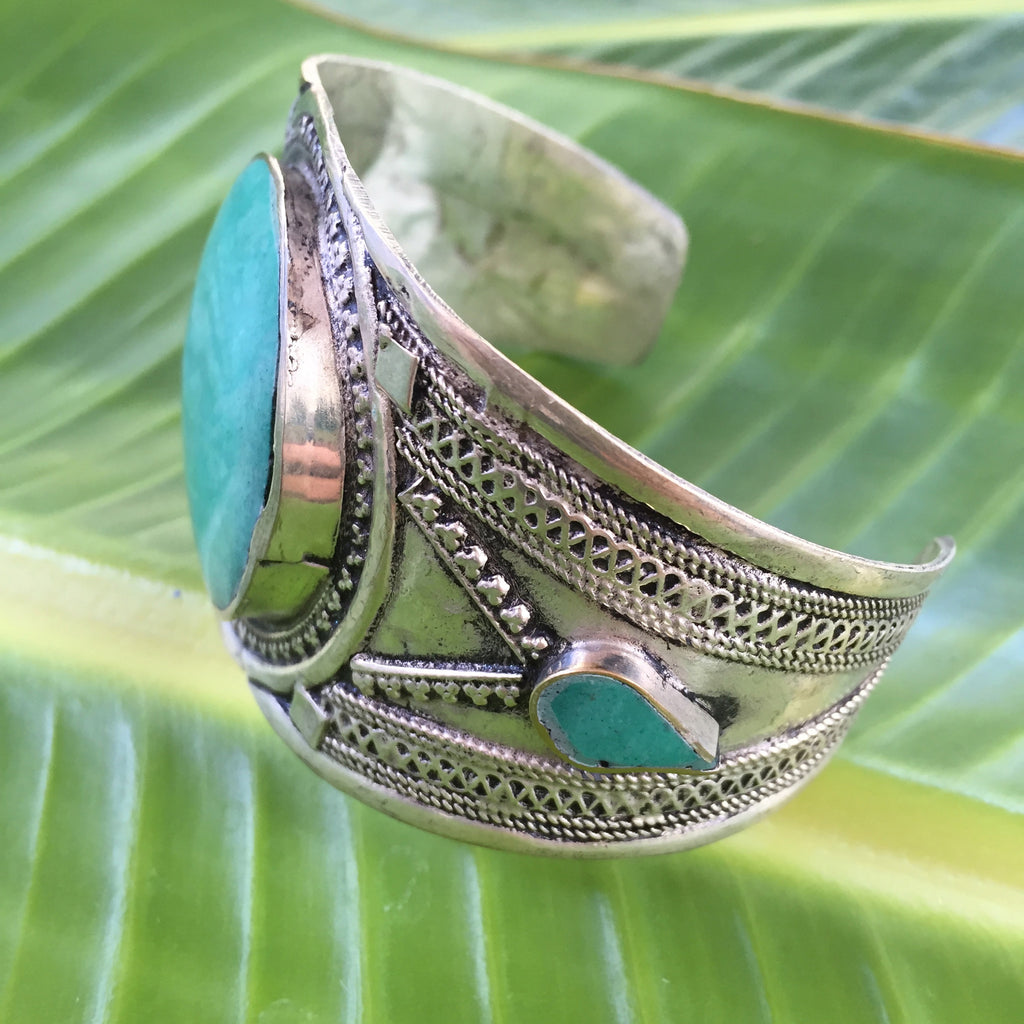 Pakistani Hailey Cuff