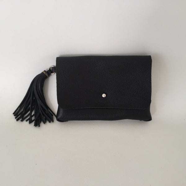 supple clutch with tassle
