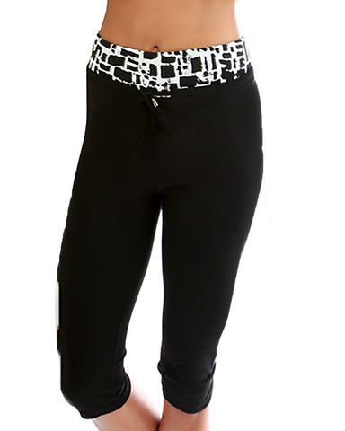 White Geo Print Lyss Loo Work it Out Active Capri Pants