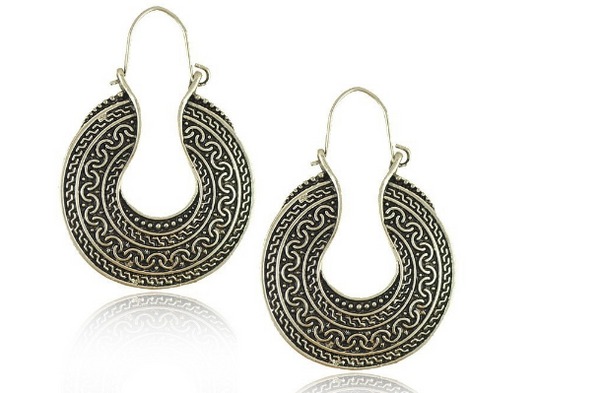 Bohemian Style Retro Silver Plated Carving Flower Incomplete Metal Shape Dangle Earrings (Color: Silver)