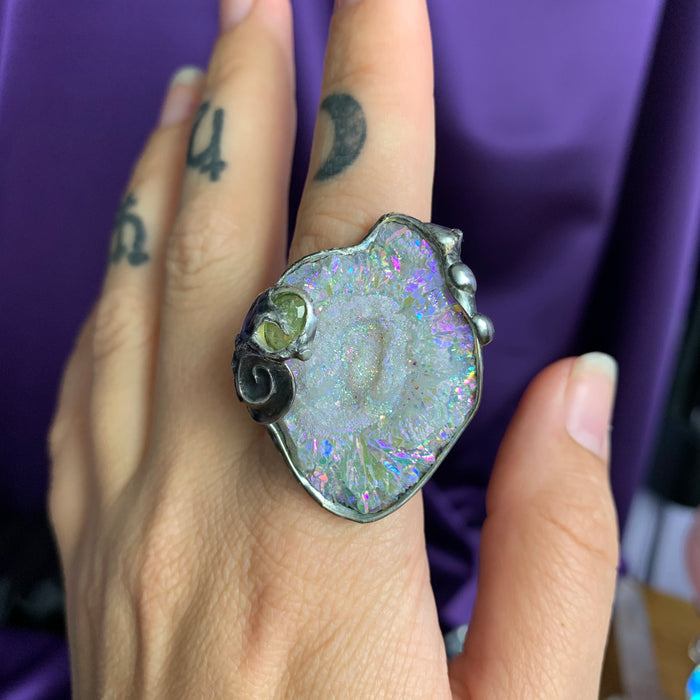 Chalcedony and Peridot ring size 7.5