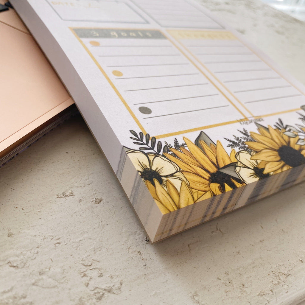 Sunflower Daily Notepad 100 pages (5.5 x 8.5 in.)