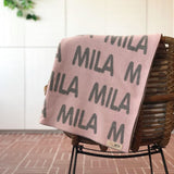 Personalized Blanket (Light Pink Background)25-30 days
