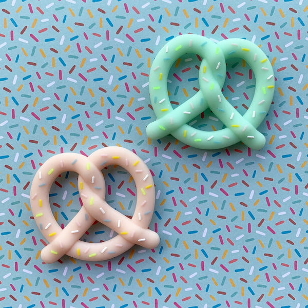 PRETZEL TEETHING TOY