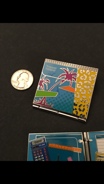 TRAPPER KEEPER PIN