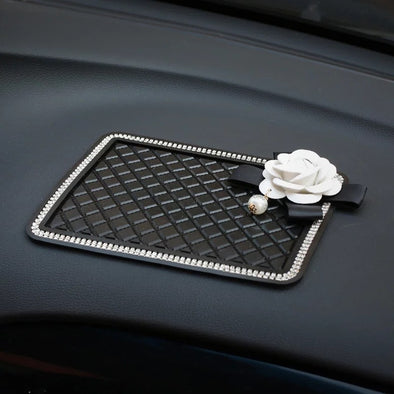 Car Dashboard Anti-slippery Mat Mobile Phone Holder with Rhinestones and black/White Camellia