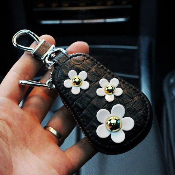 Leather Key Pouch with Daisy