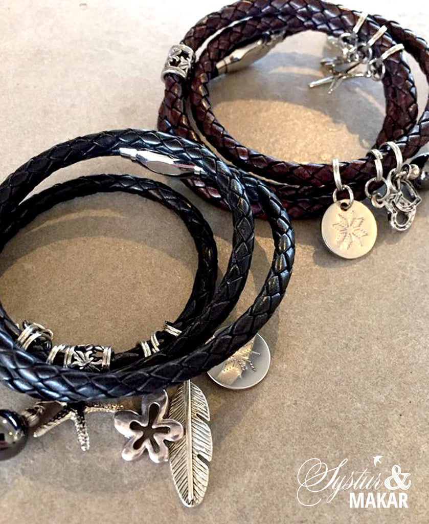 Leather bracelet with charms black