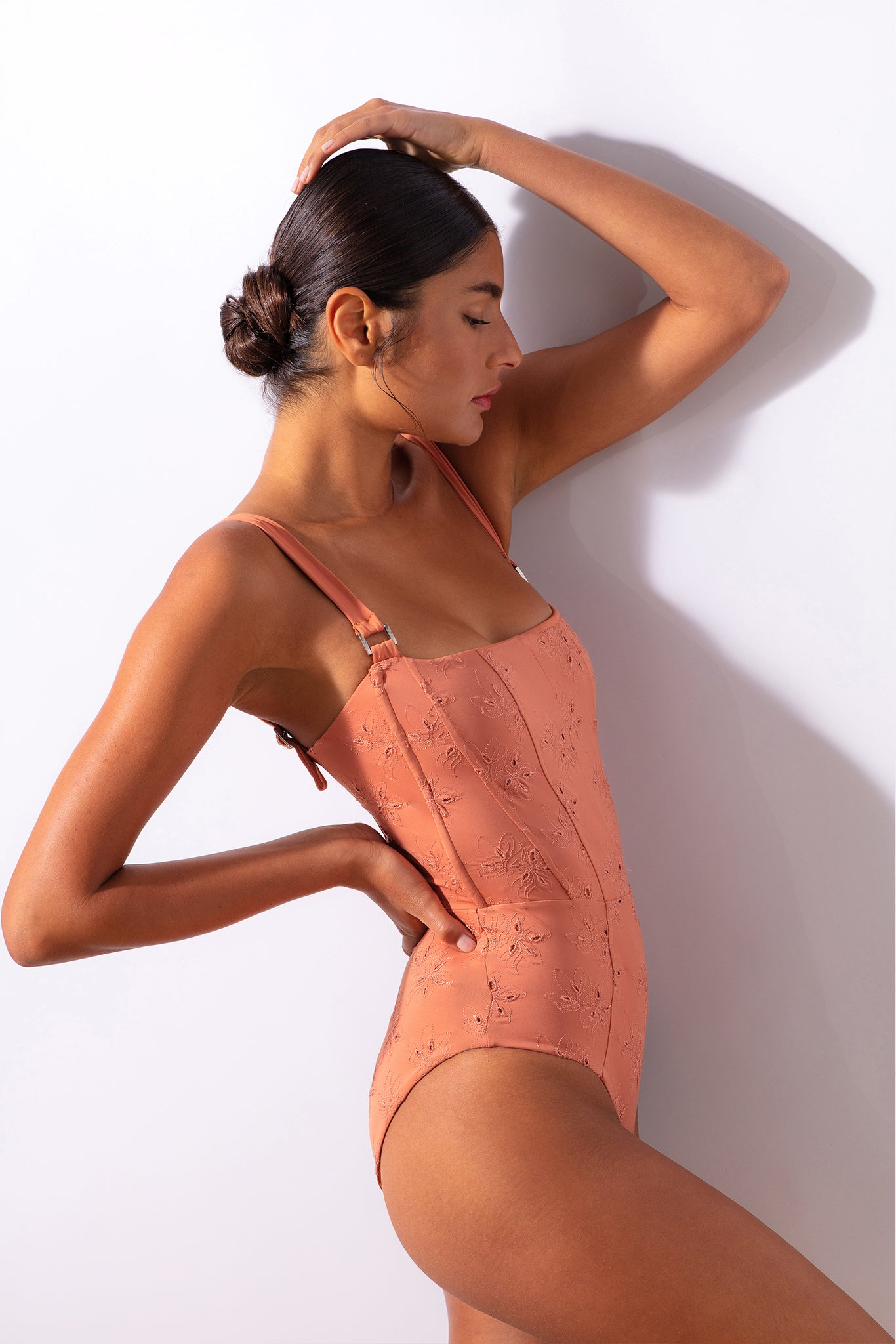 Hunter One Piece - Tierra Floral Eyelet