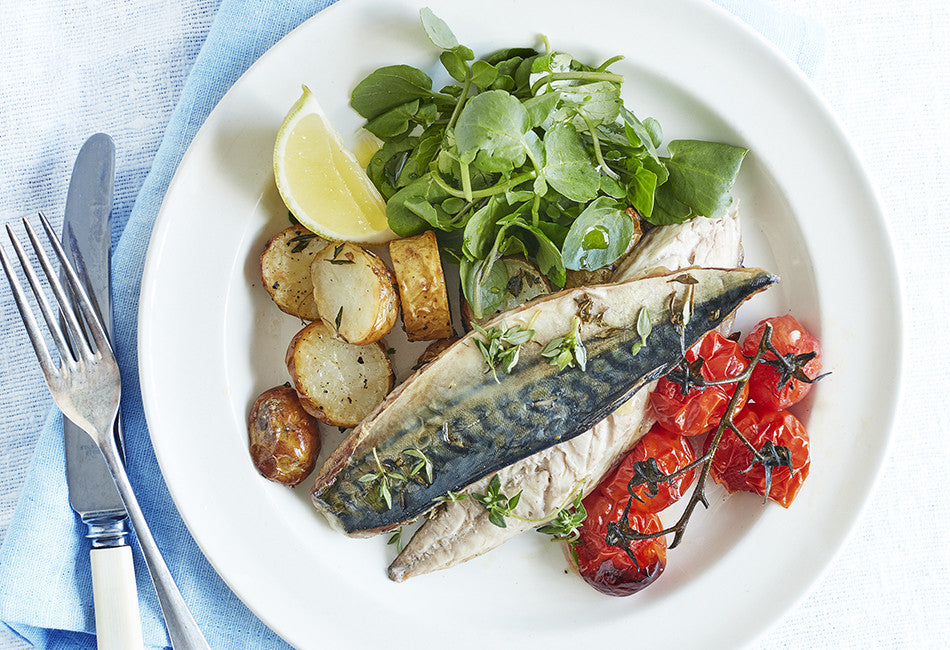 Roast mackerel with potatoes & thyme