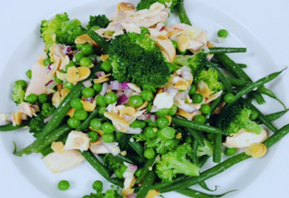 Salmon salad with green beans & toasted almonds
