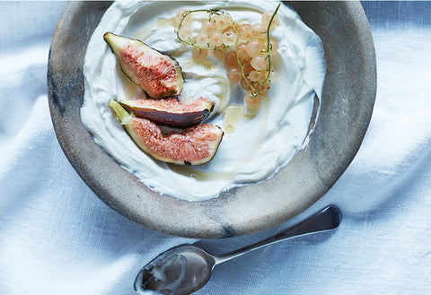 Greek yoghurt and figs