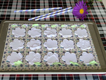 Load image into Gallery viewer, Petal Stencil Mat - Sugar Art