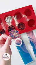 Load image into Gallery viewer, LIVE! Decorating Chocolate with Transfer Sheets class with Joana from @sweetsbyjoana