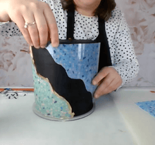Load image into Gallery viewer, ¡Grabado! Español. Decorating Chocolate with Transfer Sheets class with Joana from @sweetsbyjoana