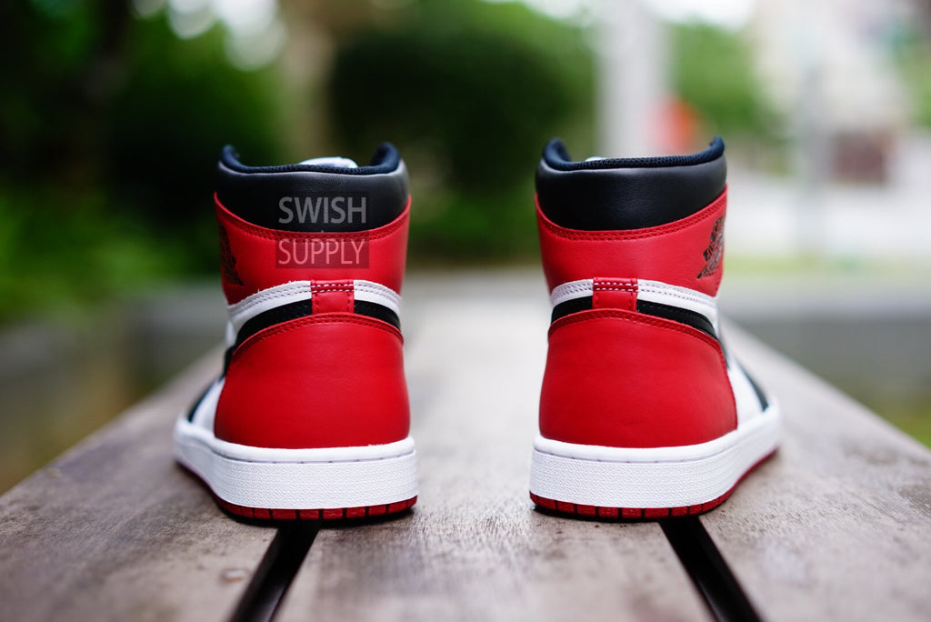 "Air Jordan 1 High OG Retro ""Black Toe"""