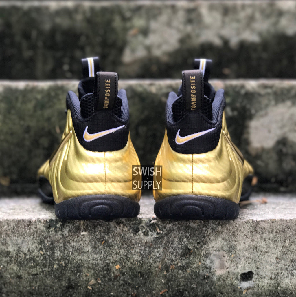 "Nike Foamposite Pro ""Metallic Gold Carbon"""