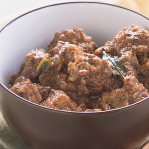 Sri Lankan Black Pepper Beef Curry